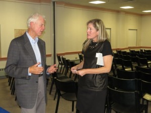 Friends Board co-chair Theresa Lynn speaks with guest speaker Bob Ryan prior to the event.